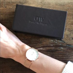 Daniel Wellington rose gold watch with case